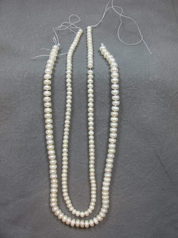"""Pair of pearls necklaces, 6 & 4 mm, 17"""" long"""