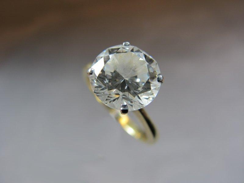 Ring,18k gold, 2.44 ct diamond, VS1/VS2, I/J color