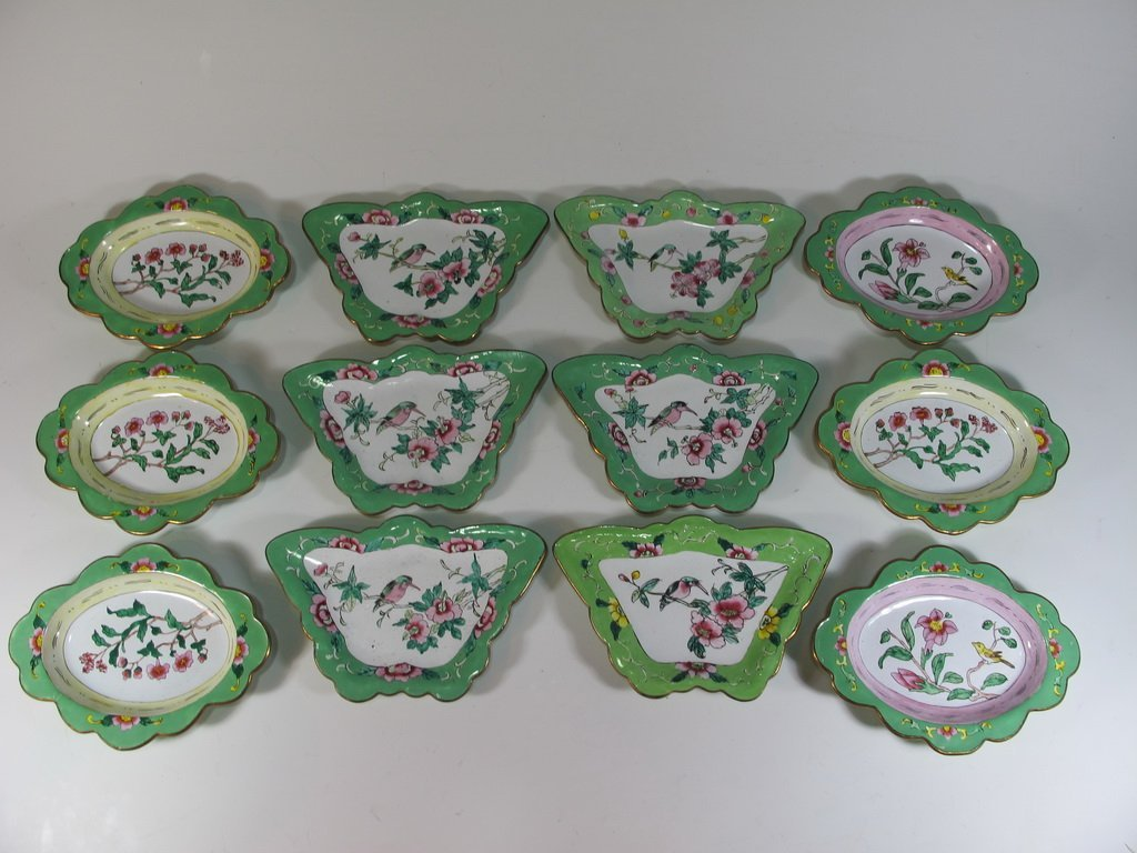 Set of 12 enamel trays