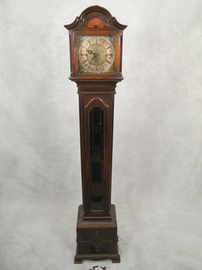 Vintage Chiming Colonial Mfg. Co. Grandfather Clock