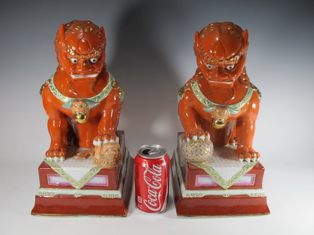 Old Chinese pair of porcelain Foo Dogs statues