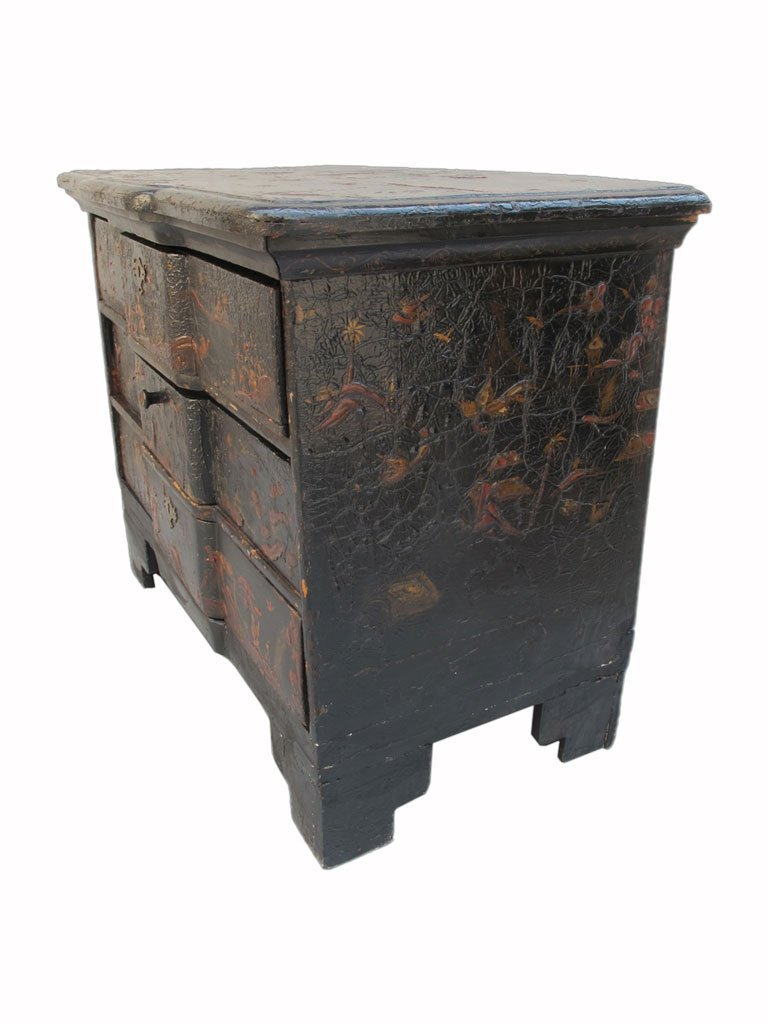 19th C Chinese painted chest of drawers - 7