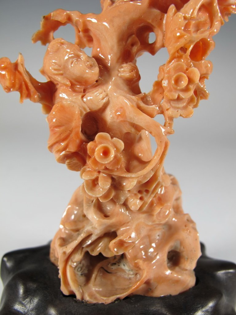 Antique Chinese carved coral sculpture - 3