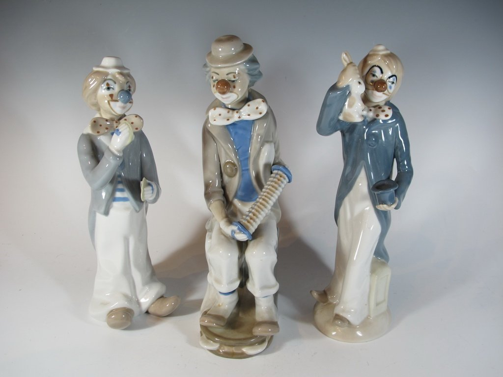 Casa Ades, Spain 3 porcelain clown statues