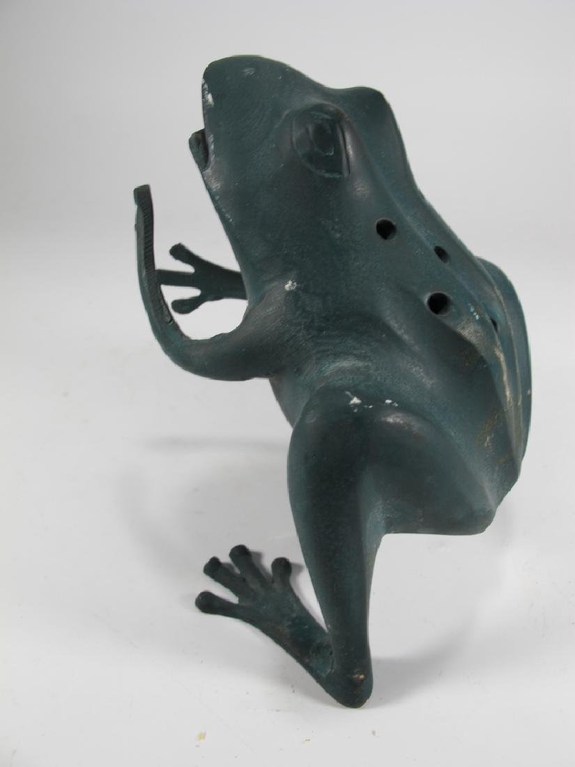 Bronze Frog tooth pic holder