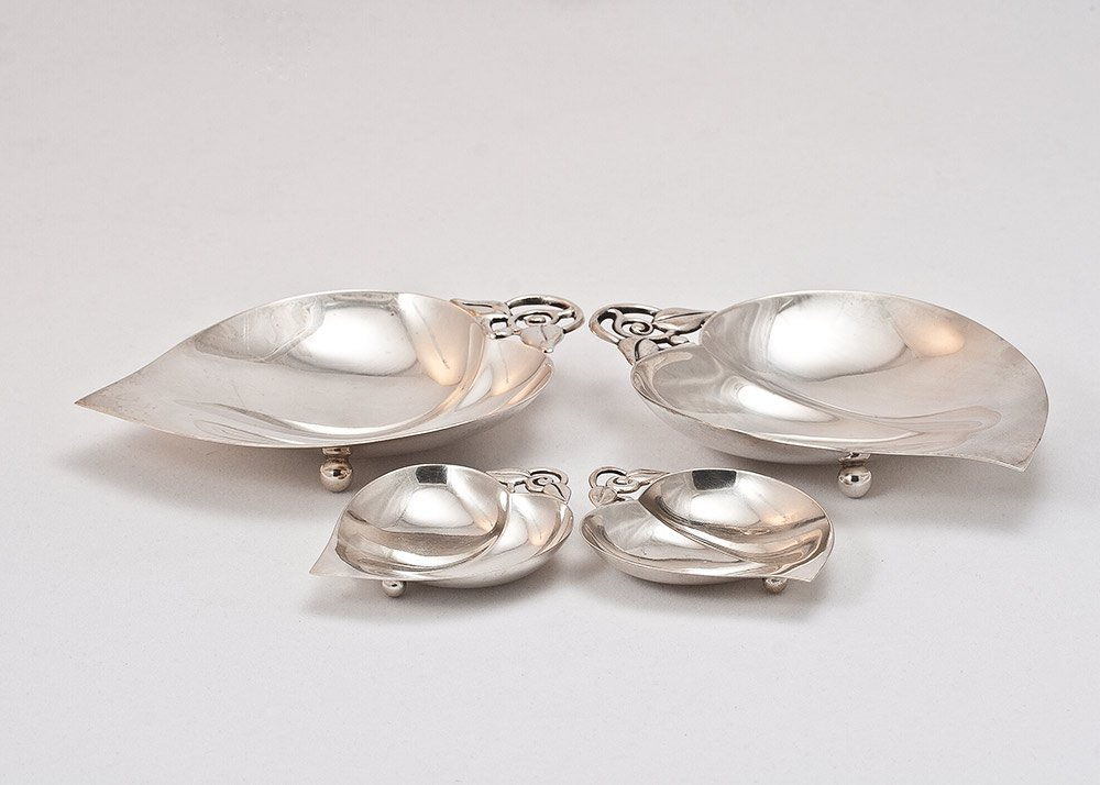 16: Ftd Dishes/Bowls Sterling Silver Set by Tiffany & C