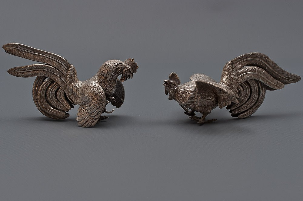 22: Two Sterling Silver Figurines of Rosters 520g