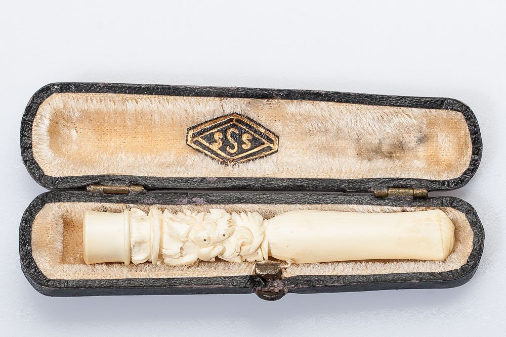19th C. Continental Ivory Cigarette Holder