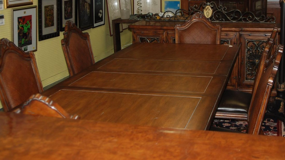 Dining Room Set Thomasville Table, (2) Leaves, (6)
