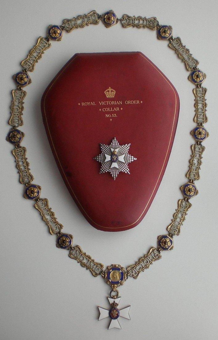 599: Königlicher Victoria Orden, Kollane im Etui mit Kl