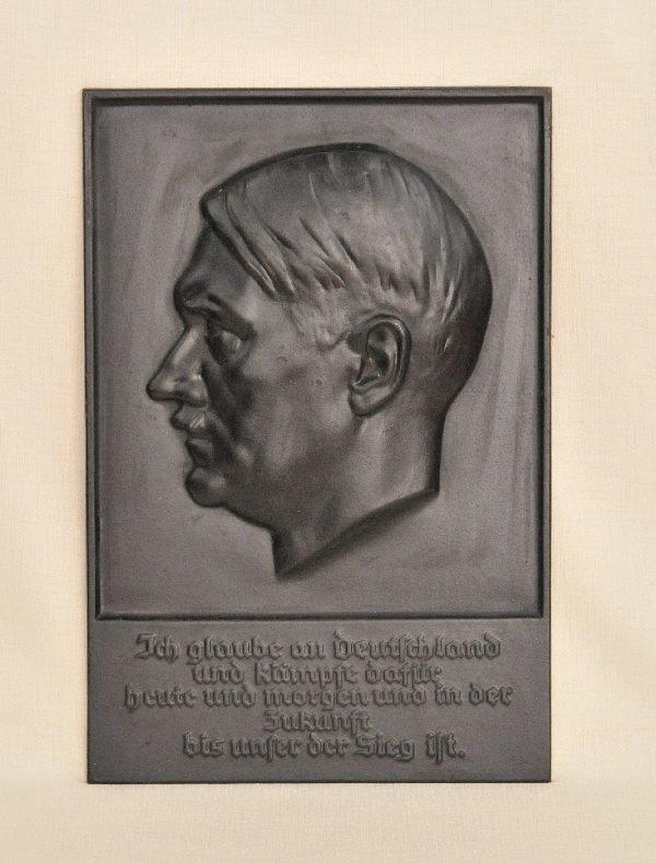 474: Germany (1933-1945) - Adolf Hitler plaque.