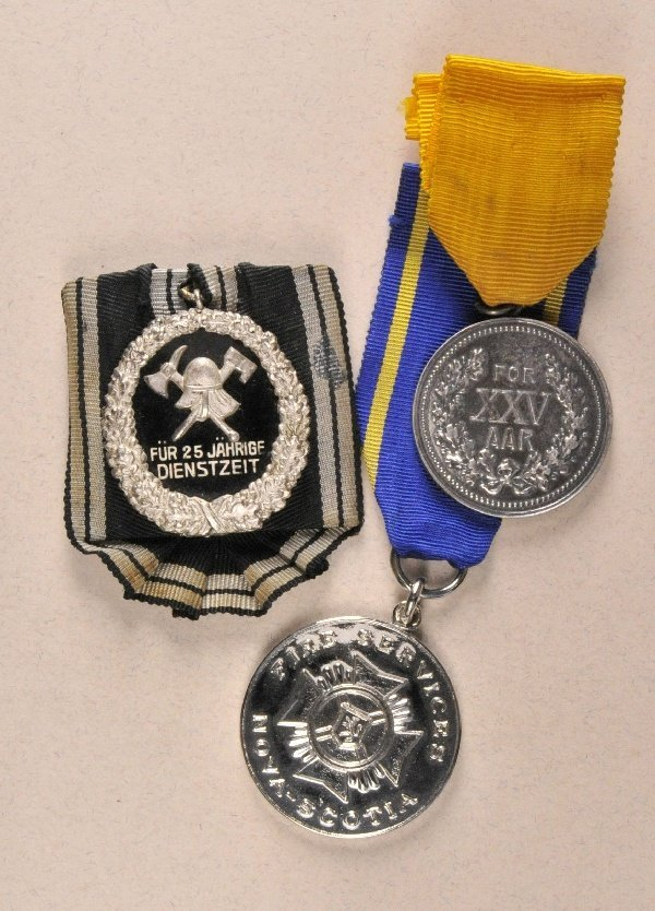 Lots - Lot of 3 Fire Fighter Decorations.
