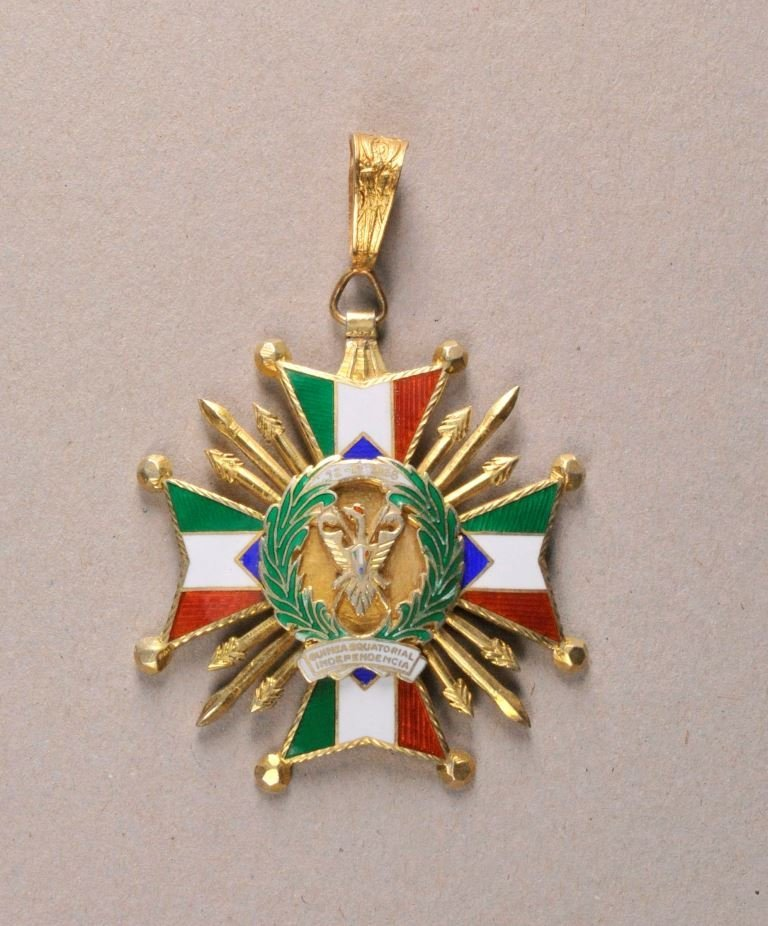 Guinea - National Order of Guinea, Commanders Neck