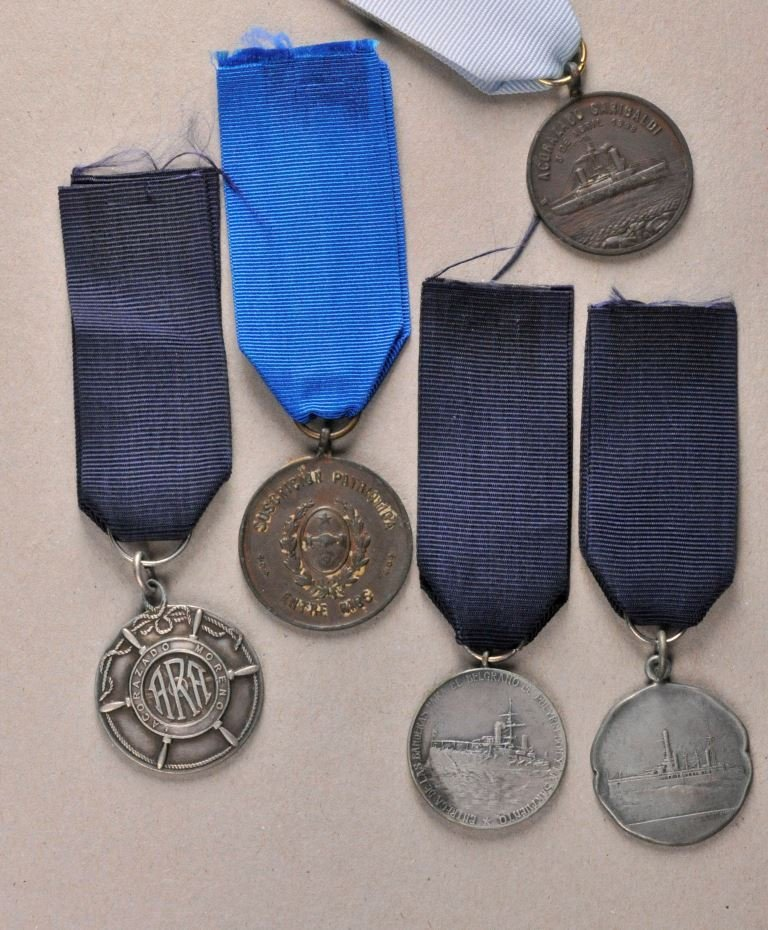Argentina - Lot of 5 Navy Medals.