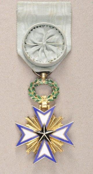 Benin Order of the Star of Benin, Officers cross.