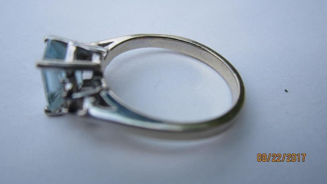14K AQUAMARINE RING WITH 6 SMALL DIAMONDS - SIZE 5.25 - - 2
