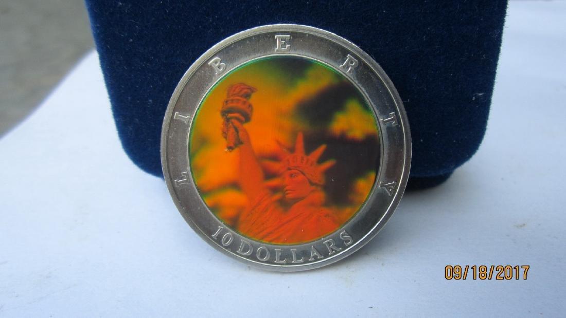CONSTITUTION HOLOGRAM $10 COIN 2001 LIBERIA - BRILLIANT
