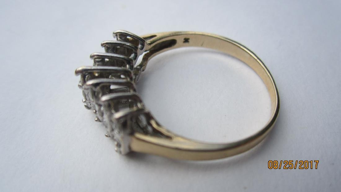 NICE 10K RING WITH 21 DIAMONDS - SIZE 7 3/4  - EXC. - 2
