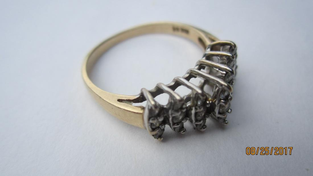 NICE 10K RING WITH 21 DIAMONDS - SIZE 7 3/4  - EXC. - 4