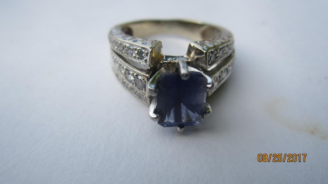 GREAT 14K RING WITH LARGE CENTER AMETHYST AND MULTI