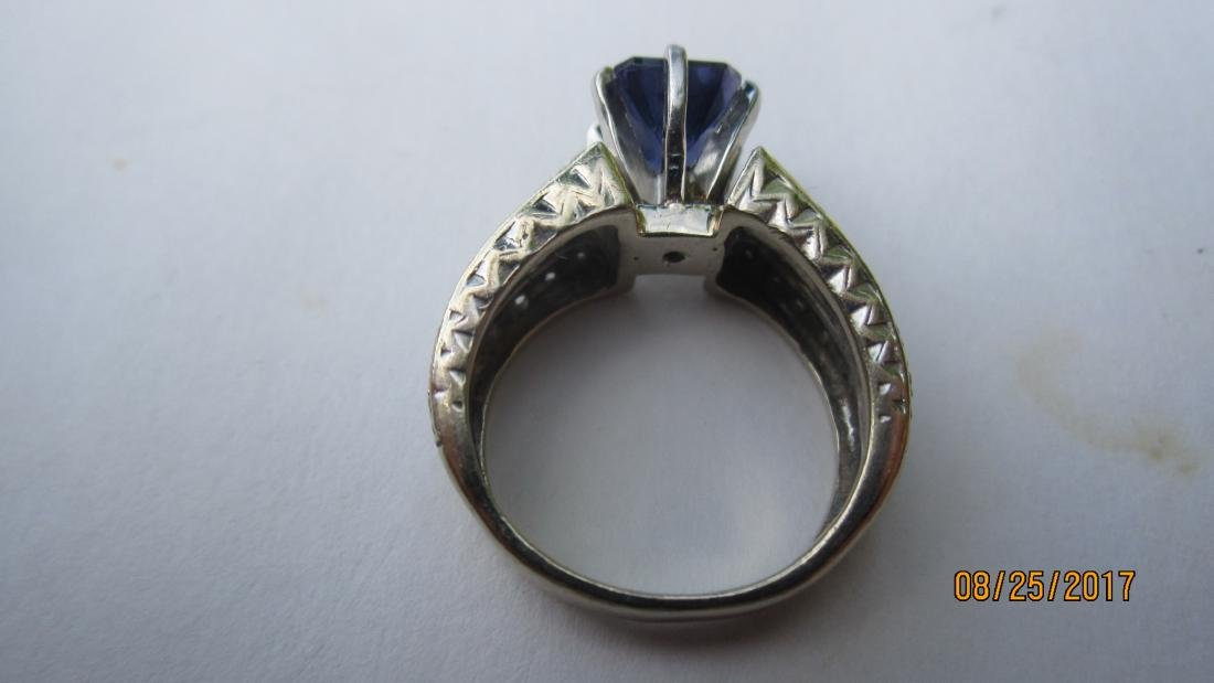 GREAT 14K RING WITH LARGE CENTER AMETHYST AND MULTI - 3