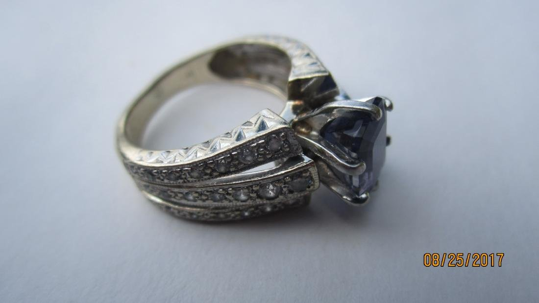 GREAT 14K RING WITH LARGE CENTER AMETHYST AND MULTI - 4
