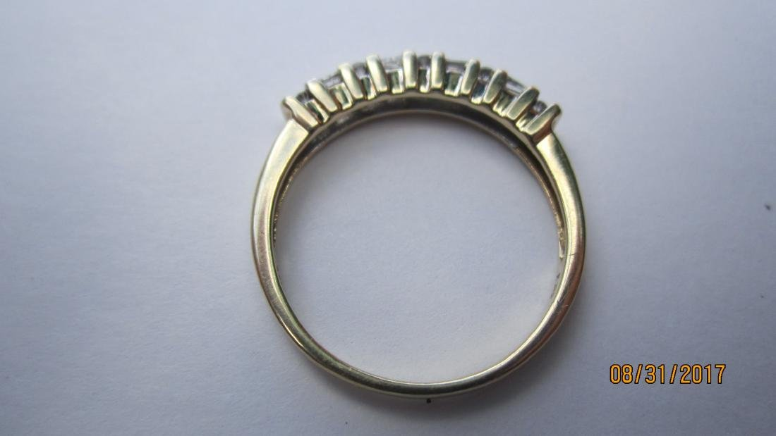 UNUSUAL 10K RING WITH 4 BAGUETTES AND 10 ROUND DIAMONDS - 3