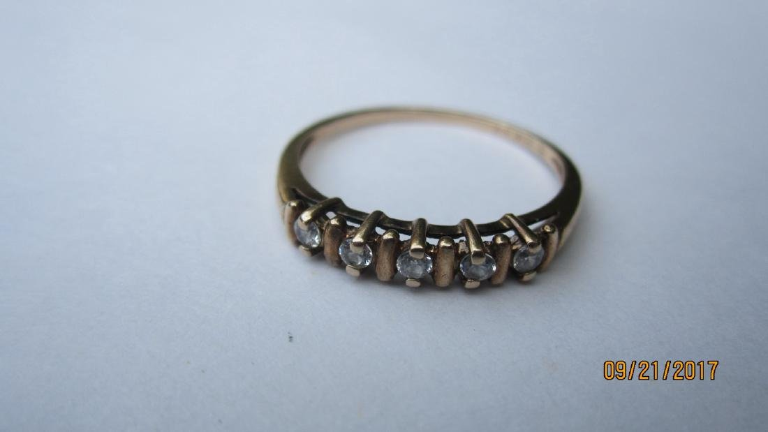 10K RING WITH 5 CZ SIZE 7.25 EXCELLENT CONDITION