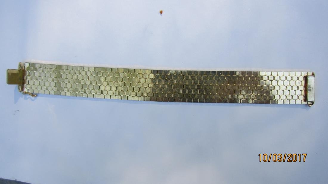"FABULOUS SIGNED 18 K 0.750 - 8 INCH BRACELET 14/16"" - 2"