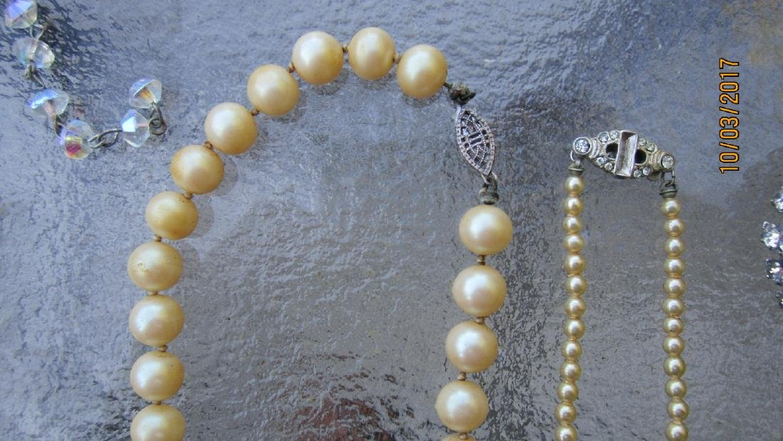 LOT OF JEWELRY TO INCLUDE 2 PEARL NECKLACES, CRYSTAL - 4