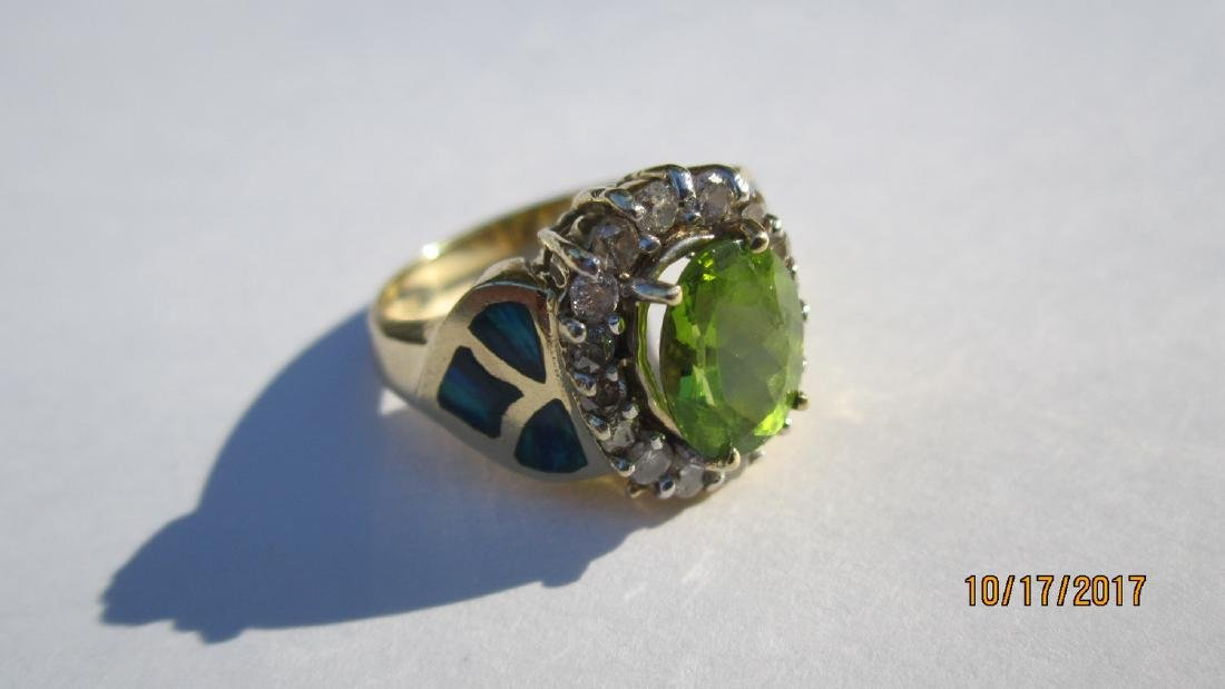GREAT 14K PERIDOT RING WITH 16 DIAMONDS AND INLAID WITH