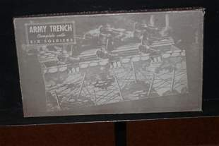 COMPLETE ARMY TRENCH GAME INCLUDING 8 SOLDIERS ORIGINAL