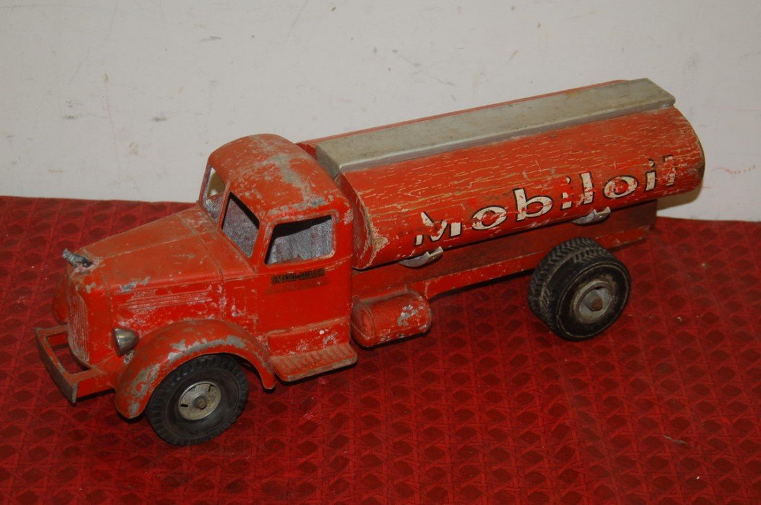 """2: SMITH AND MILLER METAL BODY, WOODEN TANK  19.5"""" SMIT"""