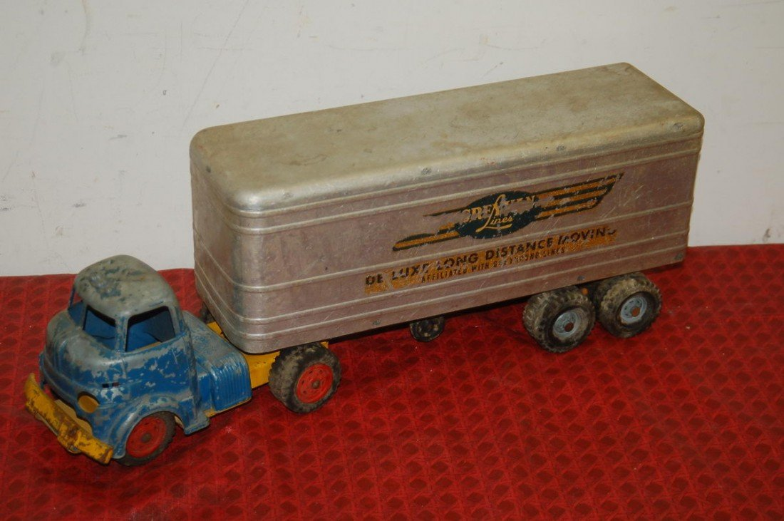 6: DELUXE LONG DISTANCE MOVING TRUCK AFFILIATED WITH GR
