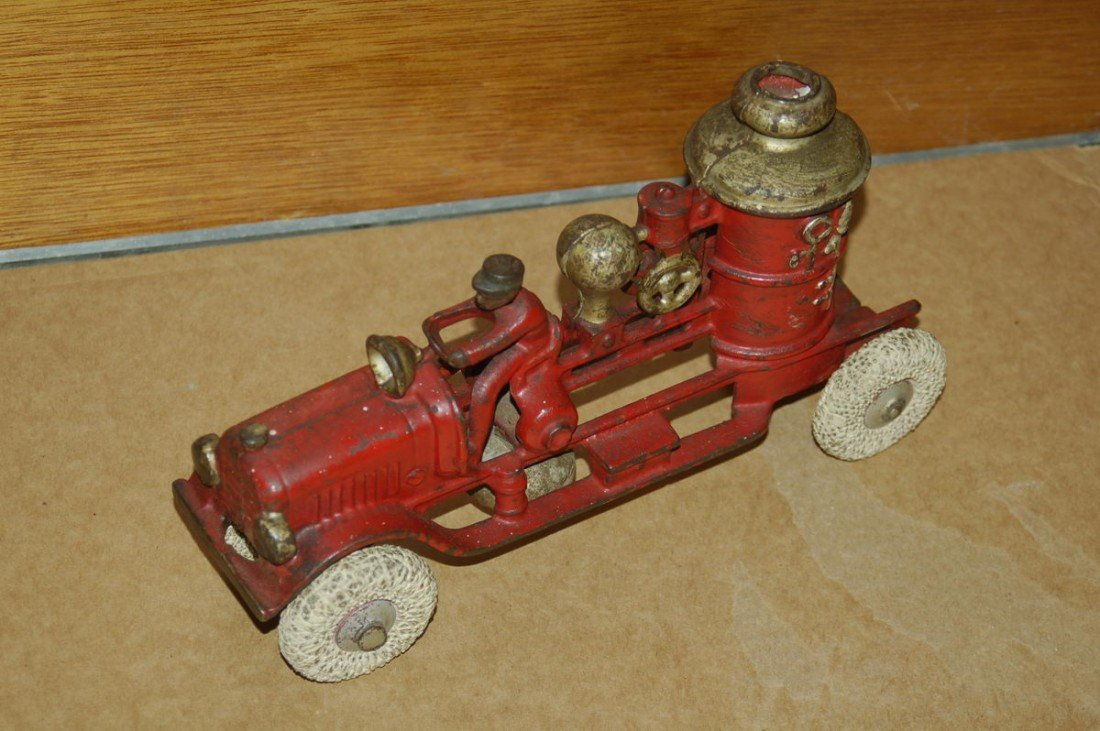 1D: GREAT CAST IRON FIRE PUMPER - ORIG. PAINT - HARD RU