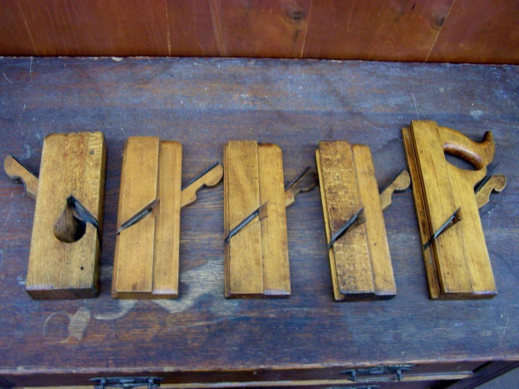 20: SET OF 5 WOODEN PLANES SIGNED OHIO TOOL CO.