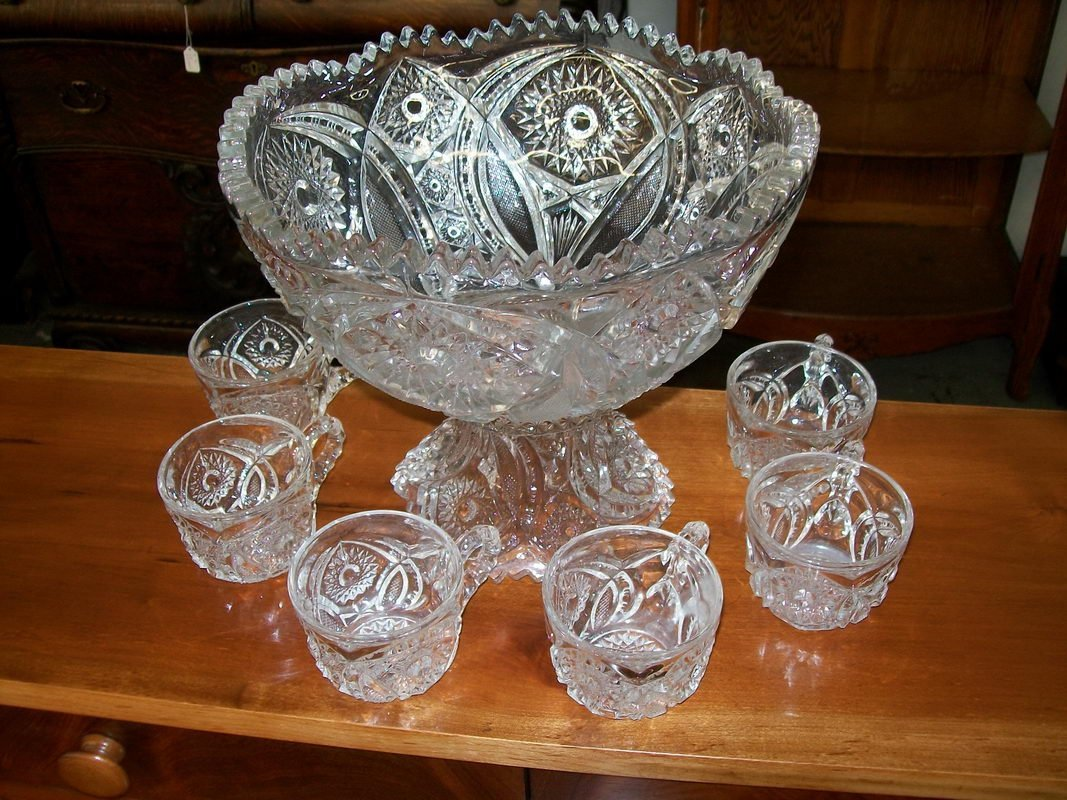 157: 8 PIECE PRESSED GLASS PUNCH BOWL SET