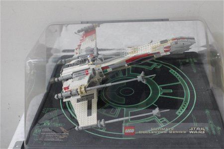 84: LEGO X-WING FIGHTER - STORE PROMO ONLY - NOT FOR SA