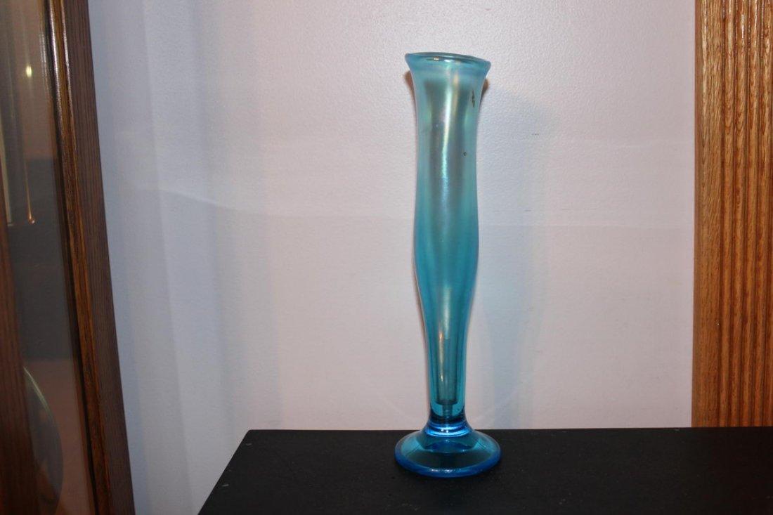 "10D: ART GLASS BUD VASE MINT 11"""
