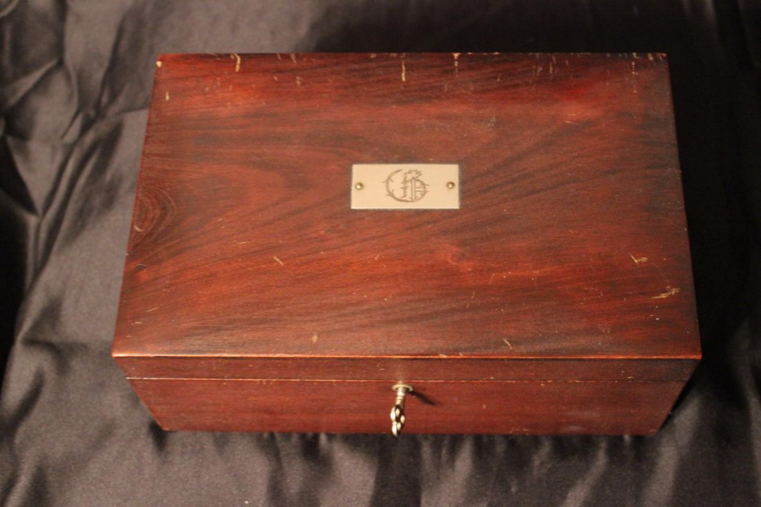 8: LINED TOBACCO HUMIDOR WITH LOCK - GOOD CONDITION