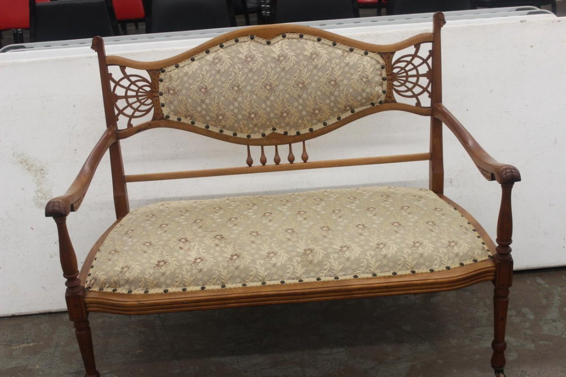 19: GREAT STICK AND BALL PARLOR SEAT - MINT