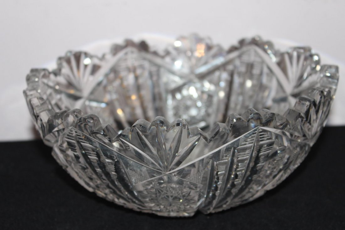 4: BEAUTIFUL CUT GLASS BOWL - MINT