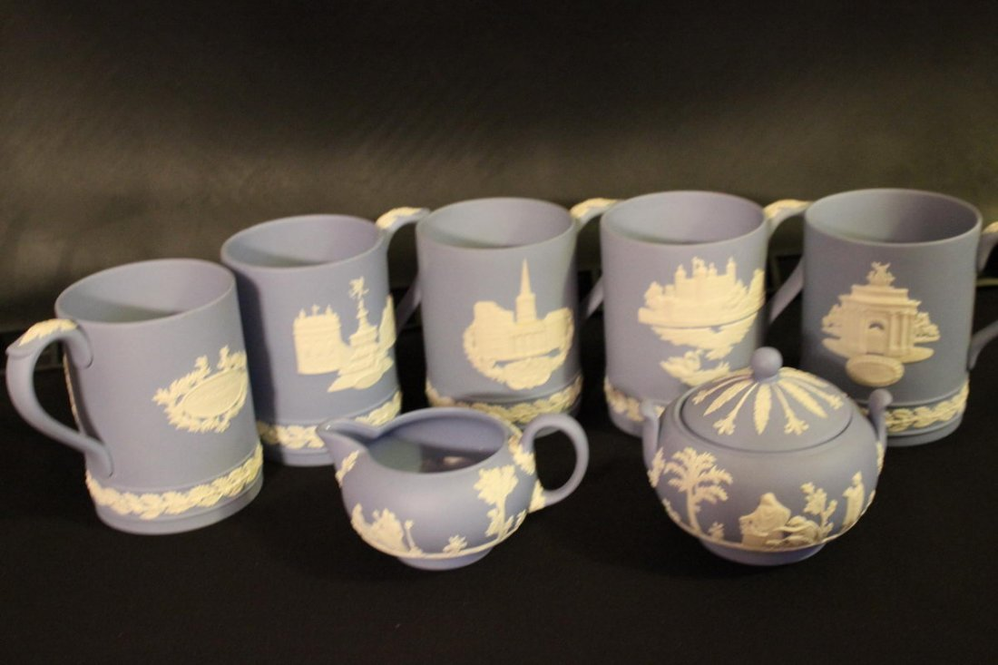 WEDGWOOD FIVE MUGS CREAMER AND SUGAR BLUE- WHITE MINT
