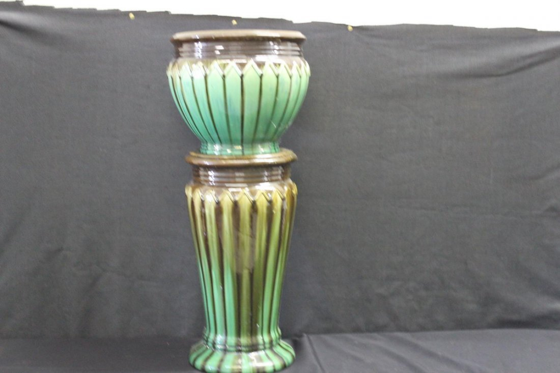 MATCHING PEDESTAL IN JARDINEER MINT 28 X 10.5