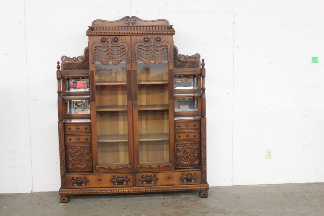 FANTASTIC OAK DOUBLE DOOR BOOKCASE WITH ETGREE SIDES W/