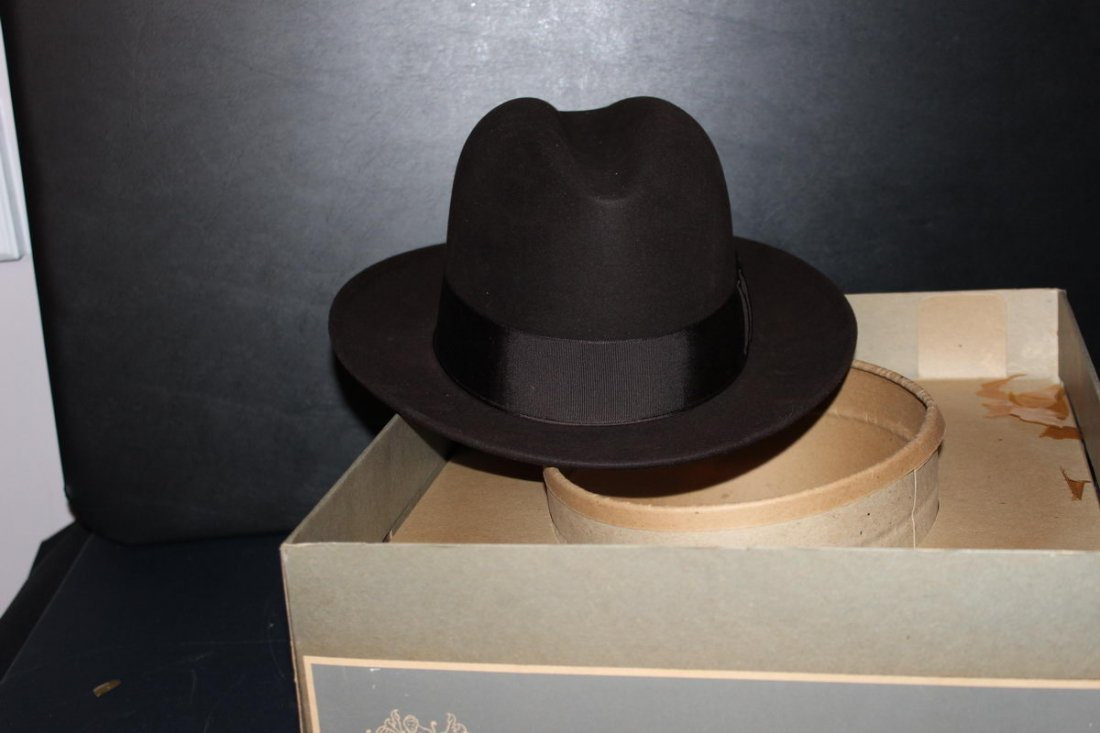 MALLORY HATS FIFTH AVENUE NEW YORK IN BOX