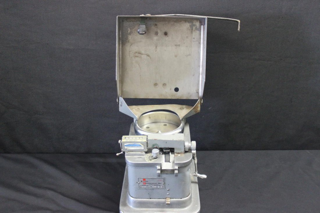 1930 - 40S COIN COUNTING MACHINE WORKS 10 X 9