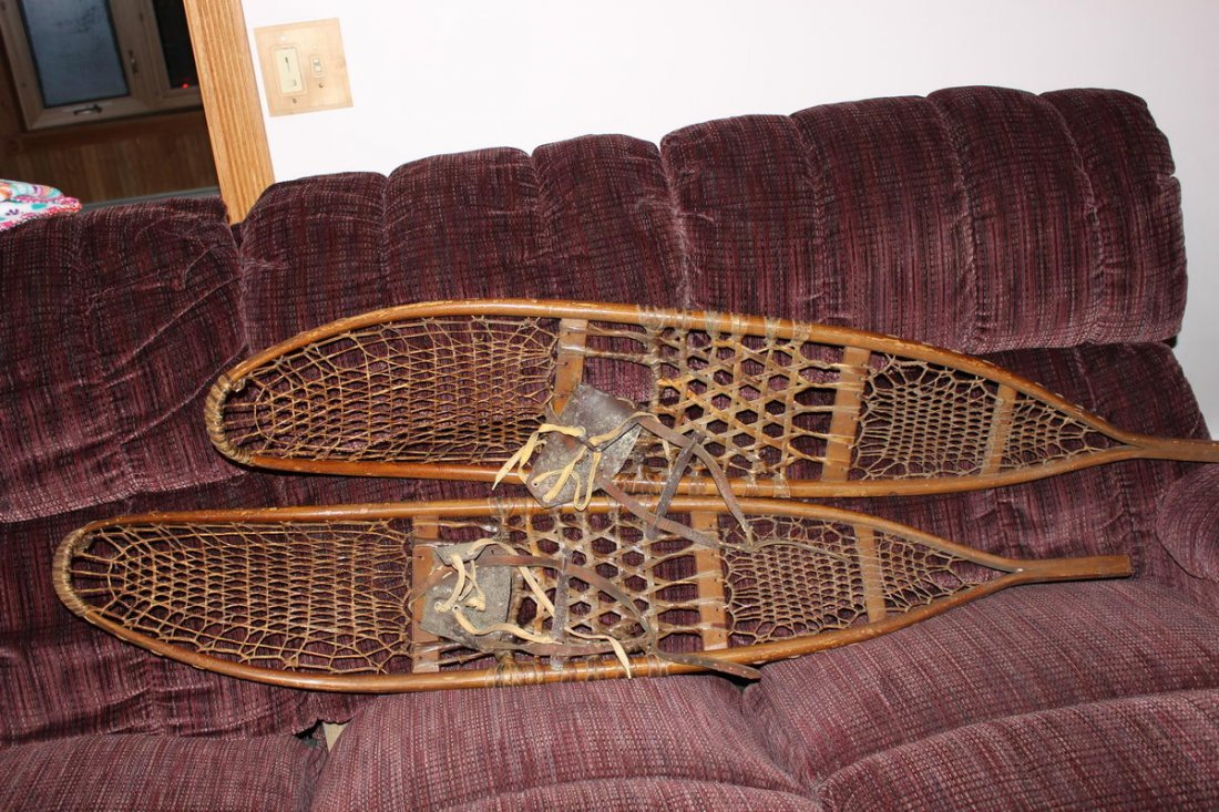"""EARLY PAIR OF MINT CONDITION LONG SNOWSHOES 55"""" BINDING"""