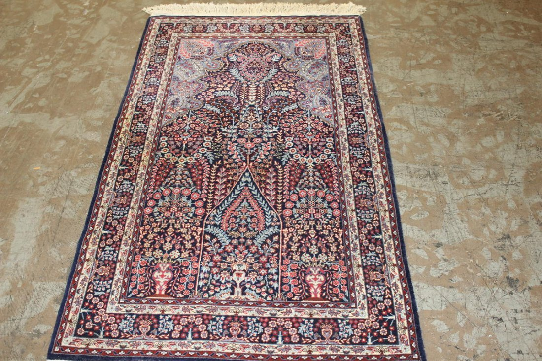 SEMI ANTIQUE ORIENTAL RUG IN EXCELLENT CONDITION THICK