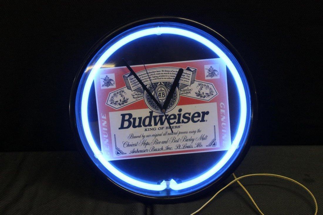 1980S STYLE BUDWEISER LIGHT UP NEON CLOCK - WORKS